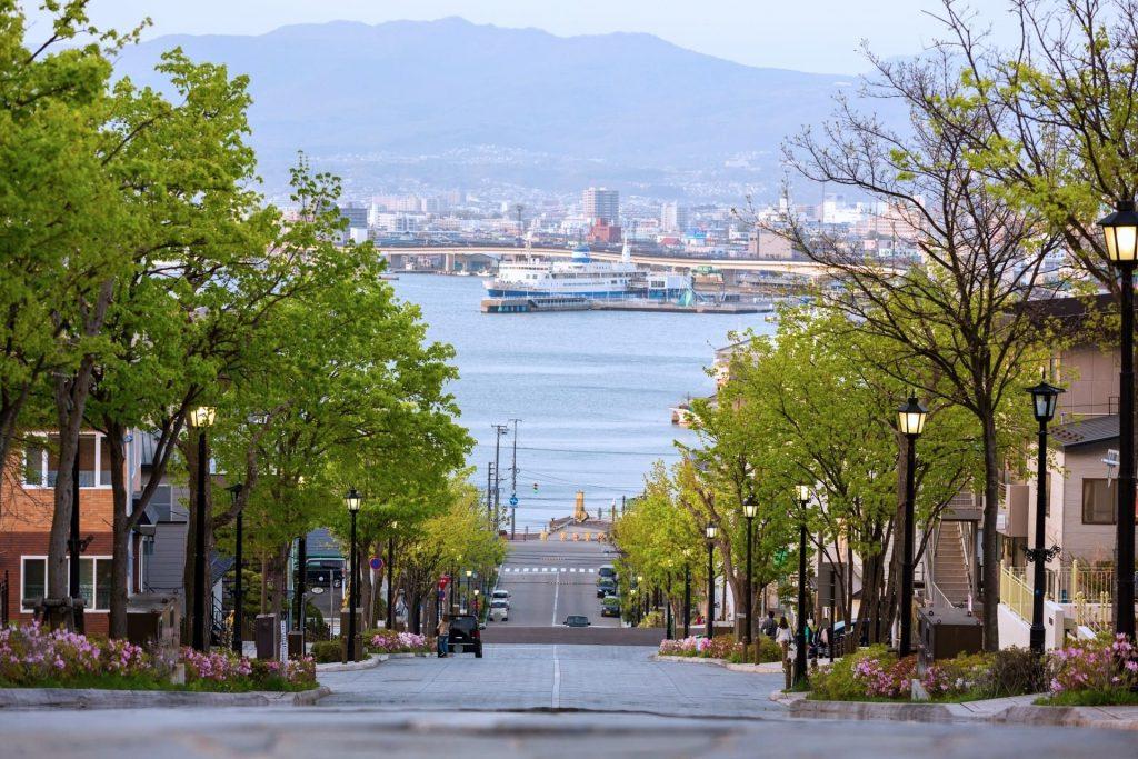 函館『八幡坂』撮影場所の注意点とおすすめの季節や時間帯をご紹介!