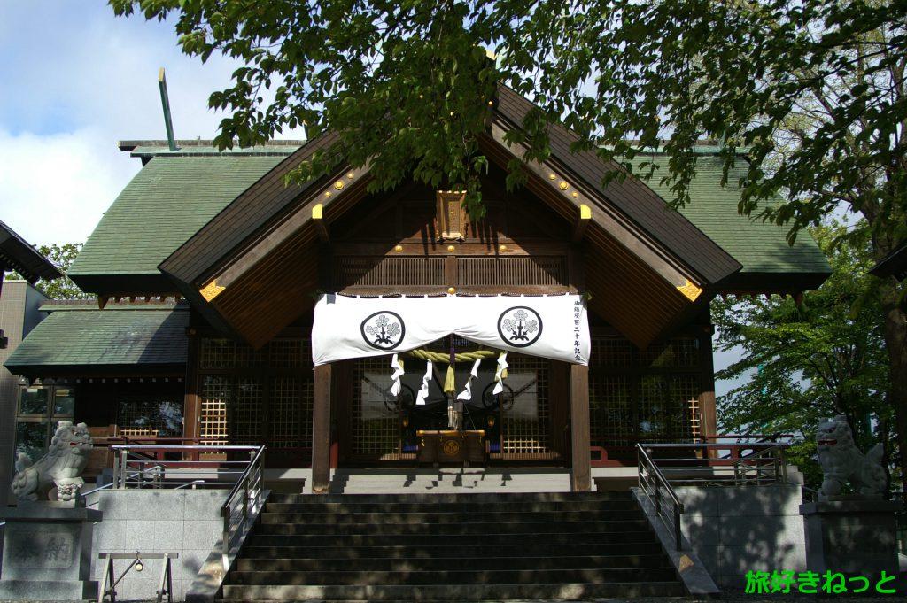 『信濃神社』御朱印あり・お祭りや初詣の参拝時期は地元の客で賑わう