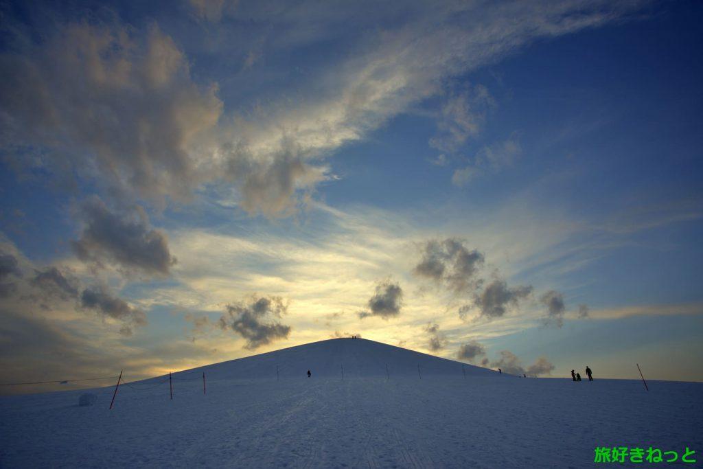 モエレ沼公園の冬景色は夜も素敵!山でスキー・スノボ・そり遊びも人気